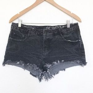 The Frayed Mid Rise distresses blk shorts sz 8